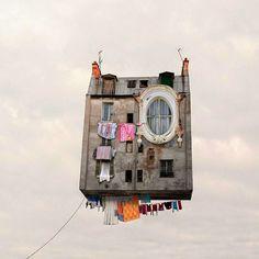 El mundo onírico de las parisinas casas voladoras de Laurent Chéhère