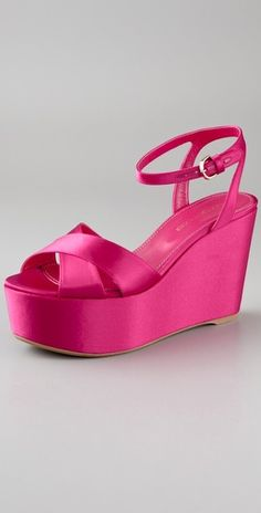 Love the colour and the wedges.