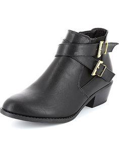 Boots à talons Femme 28,00€ Boots, bottines Boots basses à talons. - Ouverture zippée côté intérieur - Large empiècement élastique côté extérieur - 2 boucles métalli