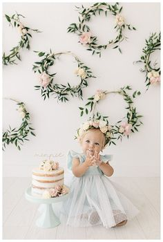 Minnie's Flowery First Birthday Cake Smash - Love Inc. Mag - - Minnie's Flowery First Birthday Cake Smash – Love Inc. 1st Birthday Cake Smash, Baby Girl 1st Birthday, Cake Smash Girl, Cake Smash Cakes, One Year Birthday Cake, Cake Smash Outfit, Bday Girl, Princess Birthday, Birthday Girl Pictures