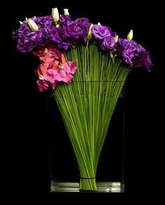Vertical vase arrangement
