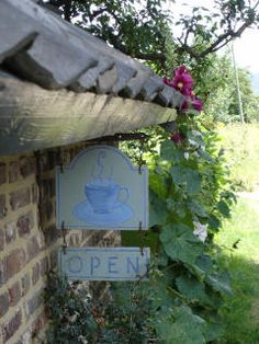 English Village, Cozy Cottage, My Heritage, British Isles, Country Life, Fascinator, Holland, Outdoor Decor, The Nederlands