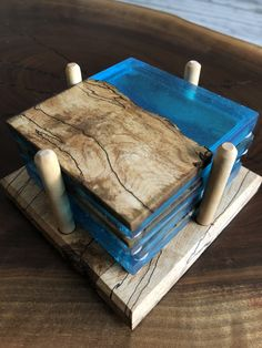 Diy Resin Table, Epoxy Wood Table, Epoxy Resin Table, Diy Resin Art, Diy Epoxy, Diy Resin Crafts, Wood Crafts, Coaster Crafts, Resin Furniture