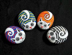 Looking for some easy painted rock ideas to get inspired by? See more ideas about Rock crafts, Painted rocks and Stone crafts. Looking for some easy painted rock ideas to get inspired by? See more ideas about Rock crafts, Painted rocks and Stone crafts. Pebble Painting, Pebble Art, Stone Painting, Diy Painting, Painting Tutorials, Rock Painting Ideas Easy, Rock Painting Designs, Paint Designs, Paint Ideas