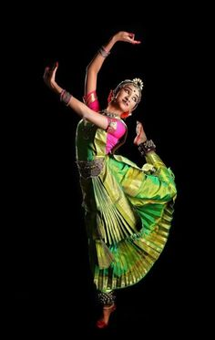 17 Super Ideas For Classical Dancing Photography Dance Photography Poses, Dance Poses, Female Photography, Dance Paintings, Indian Art Paintings, Dance Images, Dance Pictures, Folk Dance, Dance Art