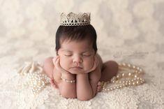 Newborn Crown, Newborn Baby Photos, Baby Girl Photos, Newborn Pictures, Newborn Session, Baby Pictures, Cute Babies Photography, Newborn Photography Props, Foto Baby