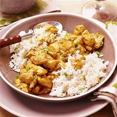 Surinaamse kipkerrie Good Healthy Recipes, Healthy Chicken Recipes, Indian Food Recipes, Asian Recipes, Low Carb Brasil, Good Food, Yummy Food, Exotic Food, Middle Eastern Recipes