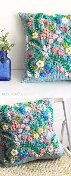 예쁜 하늘색 실원래 다른 뜨개 무늬를 뜰려고 했었는데.. 실패..ㅠㅠ실색 자체는 참 예쁜데 의외로 뜨개 배...