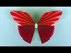 Origami butterfly - Easy tutorial for a paper butterfly Origami Butterfly Easy, Origami Easy, Papier Kind, Crafts For Kids, Arts And Crafts, Diy Paper, Holiday Crafts, Iphone Wallpaper, Make It Yourself