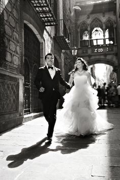 Slumber Love Wedding Photography. Slumber Studio, Barcelona. Pre wedding shoot in Barrio Gótico