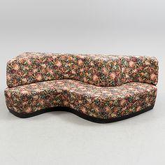 An Swedish Svensk Celluloidindustri sofa. Italian Sofa, Bukowski, Lounge, Design, Home Decor, Chair, Airport Lounge, Decoration Home, Room Decor