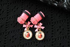 Items similar to Pretty ladybug and flower plugs gauges stretched ears dangles FREE silicone sleepers on Etsy Dainty Jewelry, Modern Jewelry, Statement Jewelry, Female Pleasure, Body Adornment, Gauges Plugs, Stretched Ears, Ladybug, Dangles