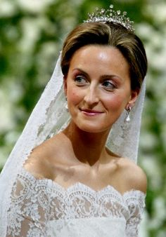 Princess Claire, wife of Prince Laurent, wearing her Wedding Tiara, Belgium (diamonds). Royal Wedding Gowns, Royal Weddings, Wedding Bride, Wedding Ceremony, Royal Marriage, Marriage Dress, Royal Tiaras, Tiaras And Crowns, Royal Jewels