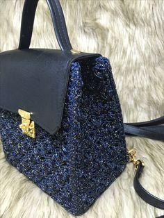 Crochet Handbags, Crochet Bags, Popcorn Stitch, Hand Knitting, Purses And Bags, Shoulder Bag, Couture, Crochet Pouch, Wallets