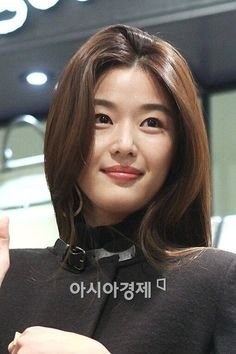 전지현 Jeon Ji Hyun Korean Name, Korean Star, Korean Girl, Jun Ji Hyun Fashion, My Love From The Star, Han Hyo Joo, Lee Min Ho, Asian Celebrities, Korean Beauty
