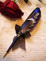 Feather pen and the art of calligraphy Feather Painting, Feather Art, Feather Pens, Feather Crafts, Calligraphy Pens, Dip Pen, Lost Art, Writing Instruments, Quilling