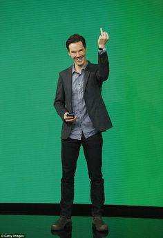 Benedict Cumberbatch at Jimmy Kimmel showing his new wedding ring #adorable