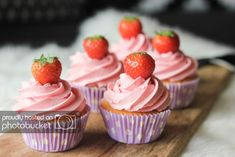 Cupcake Toppings, Cupcake Recipes, Snack Recipes, Dessert Recipes, No Bake Desserts, Delicious Desserts, Yummy Food, Fun Food, Cupcake Birthday Cake