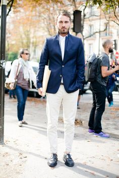 Men's Street Style Inspiration Dapper Gentleman, Modern Gentleman, Gentleman Style, Mens Fashion Blog, Suit Fashion, Style Fashion, Paris Fashion, Fashion Menswear, Fashion Details