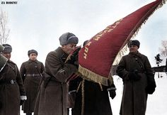 Soviet soldier swears an oath to the 509th-3rd Guards Artillery Regiment 1942