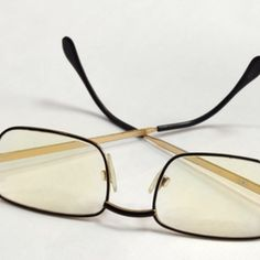 remove eyeglass scratches i have to do this asap my glasses are a wreck tips tricks. Black Bedroom Furniture Sets. Home Design Ideas