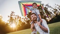 Handsome dad with his little cute sun are having fun with kite on green grassy lawn Ways Of Learning, Kids Learning, Learn Meaning, Types Of Play, The Falling Man, Cute Sun, Emotional Development, Gross Motor Skills, Parenting Books