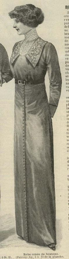 September 1912 dress with lace collar and decorative buttons