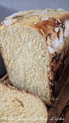 Tenia ganas de subir esta delicia. Un pan con sabor a roscón; amasado, levado y horneado en la panificadora. La receta no es mia, es de Cris... Bread Maker Recipes, Baking Recipes, Pan Bread, Tapas, Bakery, Cooking, Sweet, Desserts, Food