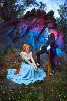 So awesome. Cosplay of Thumbelina and Mr. Beetle from Thumbelina.<<< Mr. Beetle is a creeper . . . just saying