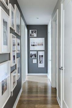 2. Se a tua entrada dá diretamente para um corredor, podes decora-lo com fotografias várias ou até com mensagens de boas-vindas;