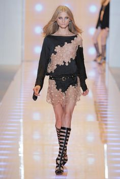 Versace RTW Spring 2013 - Runway, Fashion Week, Reviews and Slideshows - WWD.com