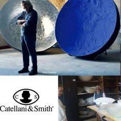 We build our light~Enzo Catellani💡💡💡 We invite you to visit the showrooms Catellani&Smith in Milan and Bergamo!!! Find more on http://design-it.com.pl #design#italiandesign#milanodesignweek#salonedelmobile #enzocatellani