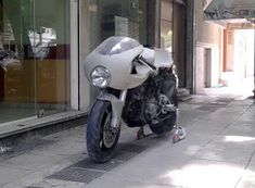 The SSie was the last Ducati that i would like to deal with. The reason is the fuel tank. The accented forward slope of the fuel tank mean. Ducati 750, Ducati Cafe Racer, Cafe Racer Bikes, Cafe Racer Build, Motorcycle, Ss, Cafe Racer Motorcycle, Motorcycles, Motorbikes