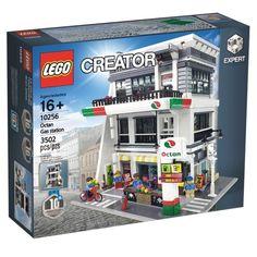 Modular Building Sets - Rumours and Discussion - Page 205 - LEGO Town - Eurobricks Forums Lego Sets, Lego City Sets, Lego Hospital, Modele Lego, Lego Village, Lego Creator Sets, Lego Display, Lego Pictures, Lego System