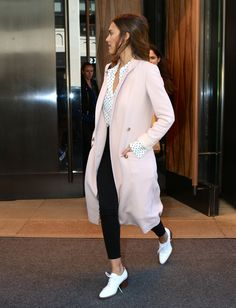 Jessica Alba à New York le 29 mars 2016