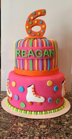 Roller skate birthday cake Retro Birthday, 9th Birthday Parties, Cool Birthday Cakes, Birthday Cake Girls, 8th Birthday, Birthday Ideas, Ice Skating Party, Roller Skating Party, Skate Party