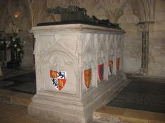 grave of queen eleanor of castile; lincoln cathedral, lincoln, england