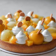 Tarte Exotic Экзотик-крем,ананасовый компот,дакуаз кокос-лайм,шантильи ваниль-кокос,кубики свежего мангоразрез в сторис #tarte #lime #cocunut #pineapple #passionfruit #mango #patesablee #patisserie