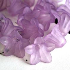 Sale 20pcs Purple Acrylic Flower Bead Caps by doubleangeldesign (Craft Supplies & Tools, Jewelry & Beading Supplies, Findings & Hardware, Bead Caps & Cones, bead cap, flower, acrylic)