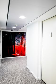 La décoration du nouveau siège du Groupe LOUIS DREYFUS ARMATEURS, signée Philip Plisson. Les supports utilisés sont : Alu brossé et Plexi. Retrouvez ces supports d'impression sur notre site www.plisson.com