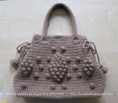 Pretty Bobble Taupe Bag: free crochet pattern