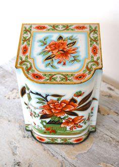 Vintage Lidded Decorative Tin | anestamoby