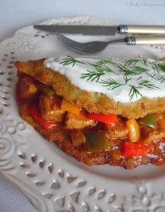 Thai Red Curry, Sandwiches, Food And Drink, Menu, Vegetables, Ethnic Recipes, Pierogi, Dinner Ideas, Recipe
