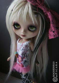 DEVIL AND HER LOVE SONG Ooak Custom Blythe Doll Picara | Flickr - Photo Sharing!