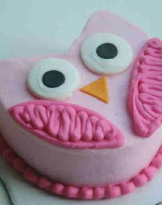 Owl cake... for Corinne's one to eat (ahem... destroy) ??