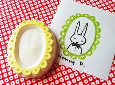 picture frame rubber stamp. hand carved rubber stamp. draw people. journaling. scrapbooking. designed and carved by talktothesun.