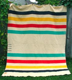 Adorable quilt based on the Hudson Bay Blankets traded in the 1700s in Canada.  Gotta make me one of these.