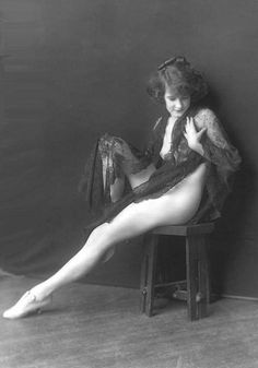 'Ziegfeld Follies' showgirl (ca. 1920's) Vintage photograph taken by Alfred Cheney Johnston..