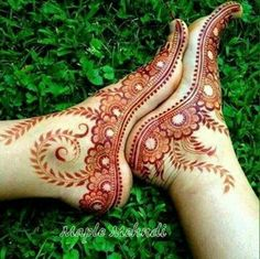 Explore latest Mehndi Designs images in 2019 on Happy Shappy. Mehendi design is also known as the heena design or henna patterns worldwide. We are here with the best mehndi designs images from worldwide. Mehndi Tattoo, Henna Mehndi, Arte Mehndi, Henna Tatoos, Leg Mehndi, Et Tattoo, Easy Mehndi, Henna Feet, Mehndi Art