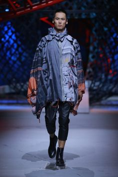 Una pasarela que presenta todo un mix de tendencias es lo que vimos en la colección Spring/Summer 2016 de Cabbeen en la semana de la moda de China
